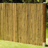 Robuster Bambus Holz Sicht Schutz Zaun DELUXE von DE-COmmerce® I hochwertiger Windschutz Terrasse, Balkon, Garten I Bambusrohr Zaun mit geschlossenen Rohren